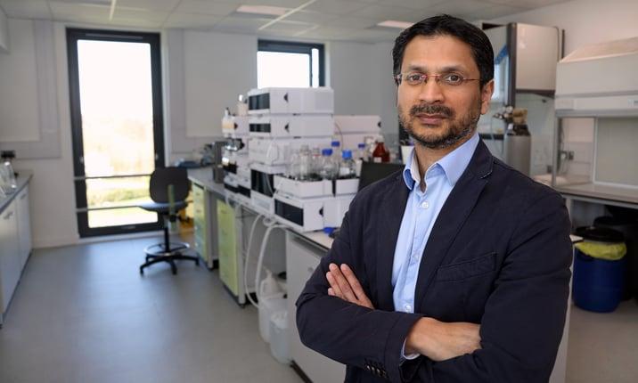 Dr Chowdhury in lab.jpg